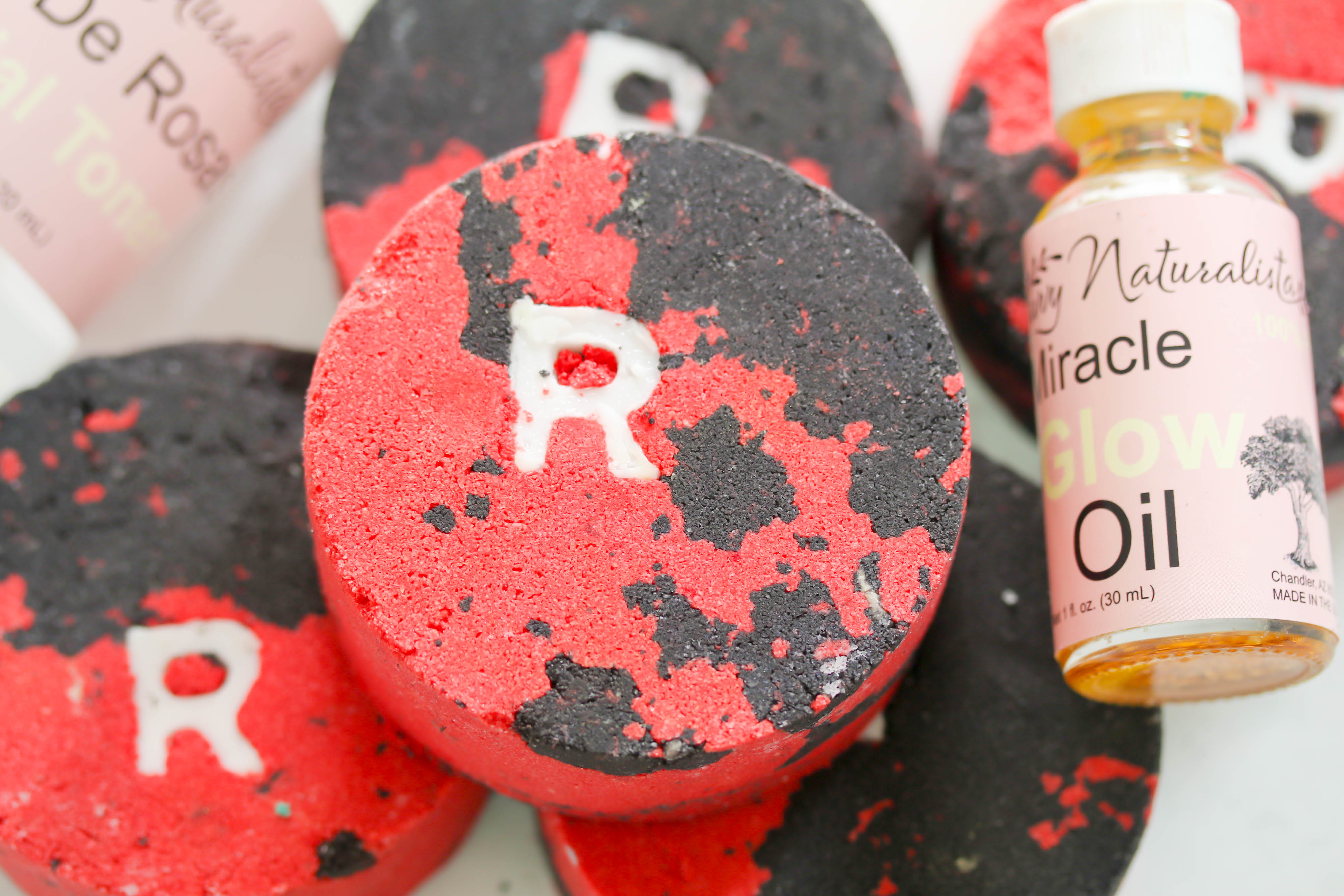 Roblox Time Bomb Inspired By The Oh So Popular Roblox Game These Bath Bombs Are The Perfect Gift For The Roblox Fan You Know Best Bath Time Treat That S Shundara Approved Savvy Naturalista