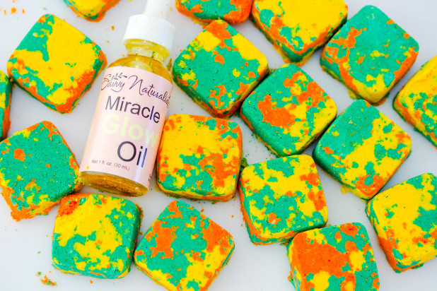 All natural and invigorating! Make these easy scented tropical mani or bath-bombs to relax and unwind. They also make the perfect party favors for any holiday or birthday.
